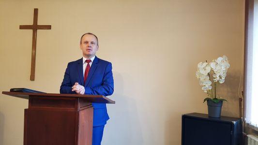 Pastor Mariusz Maikowski